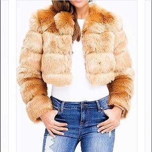 Jackets & Blazers - Super cute faux fur crop jacket